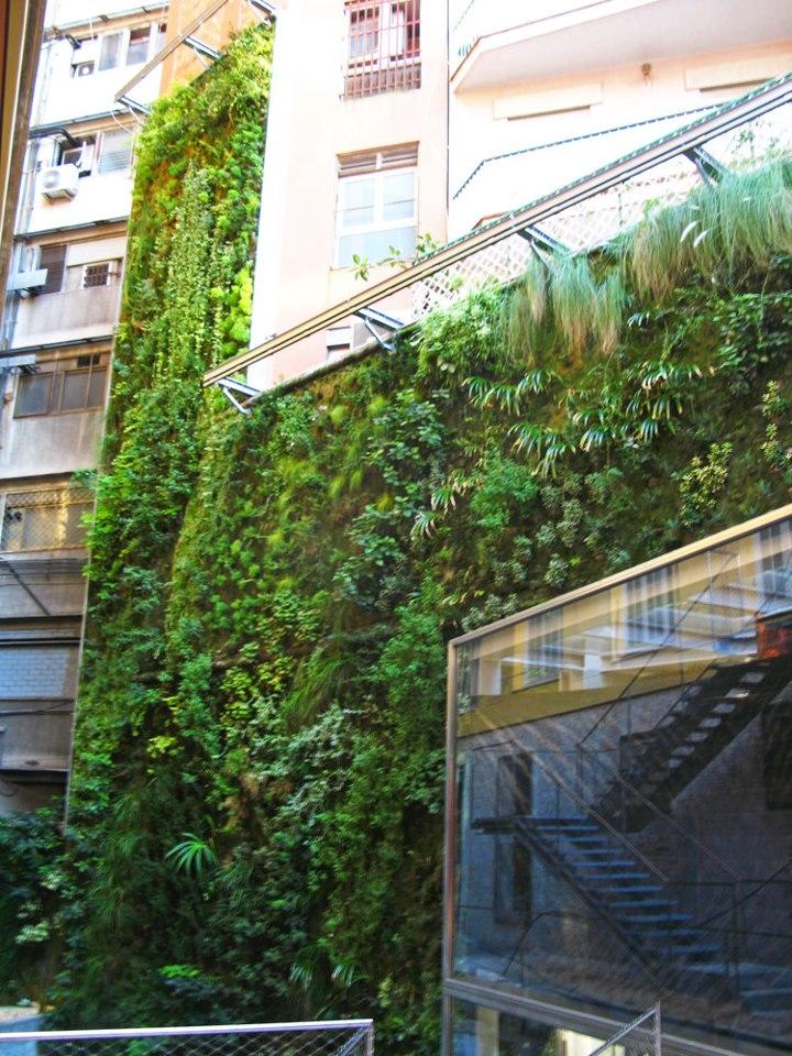 Jardim-Vertical-em-Barcelona_Movimento90